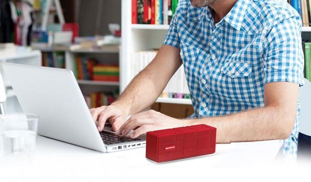 Loa Bluetooth được ưa chuộng bởi ưu điểm tiện lợi, kích thước nhỏ gọn