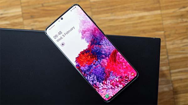 Galaxy S20 có mức giá bán rẻ nhất trong dòng S20 series năm nay nhưng vẫn sở hữu đầy đủ ưu đãi đặc quyền cao cấp của dòng Galaxy S